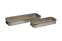 Blechtablett mit Holzboden
