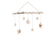 Birken-Zweig mit 7 hängenden Sternen